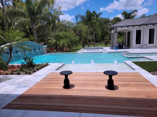 Ponte Vedra luxury swimming pool construction
