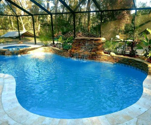 San-Mateo-Custom-Pool-Spa-Waterfall-Combo-Completed