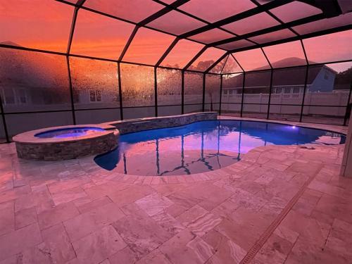 Custom gunite pool and spa construction